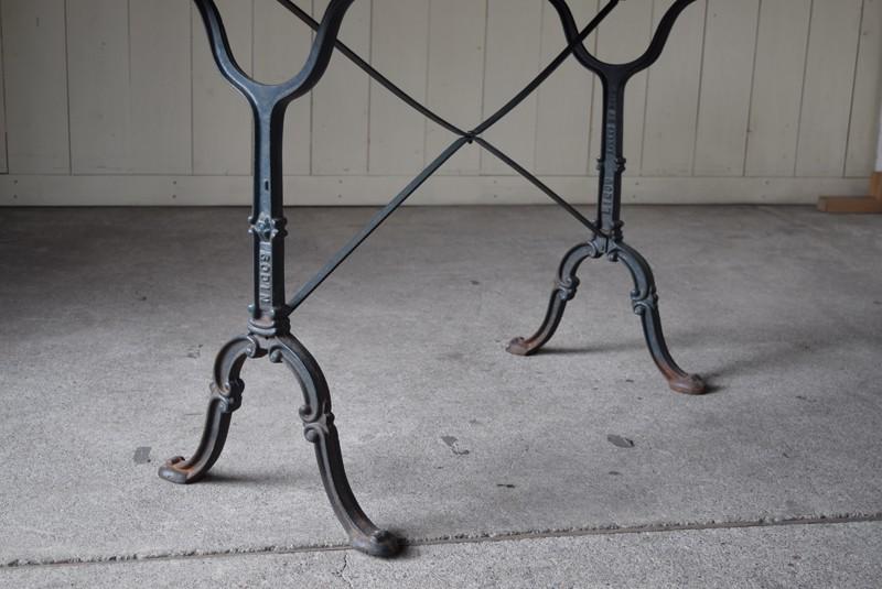 繊細な装飾の脚,アンティーク,鉄脚,テーブル,什器,作業台,フランス