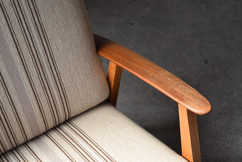 アームはチーク材,デンマーク家具,北欧家具,イージーチェア,ソファ,ビンテージ,チーク材,オーク材