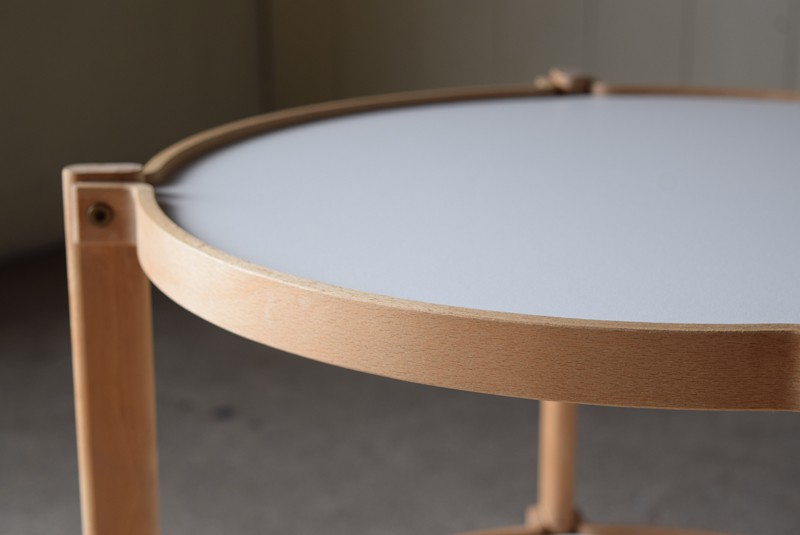 北欧らしいデザイン,デンマーク,センターテーブル,ブナ材,ビーチ材,曲げ木