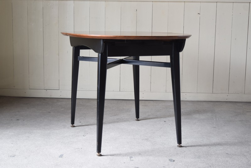 レッグデザイン,黒,ブラック,エクステンションテーブル,北欧, G-Plan, ダイニングテーブル,イルマリタピオヴァーラ