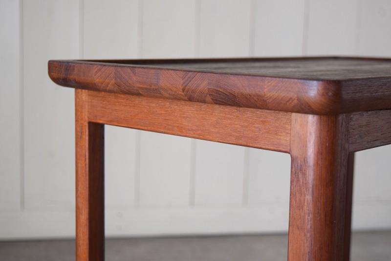 無垢のチーク材を使った寄せ木は横から見ても良い雰囲気,アンティーク,北欧,キッチン,ワゴン,ワゴン,トロリー,モダンデザイン台