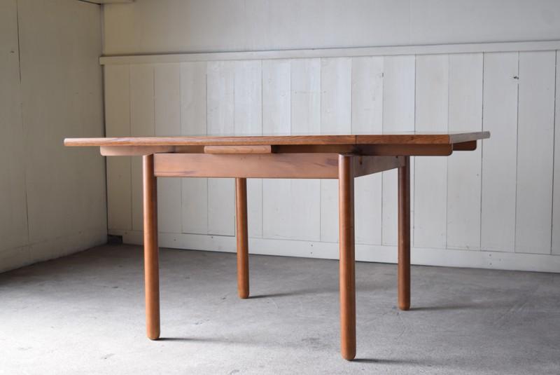 伸ばすと4~6人掛け,ヴィンテージ,カリモク,karimoku,テーブル,ダイニングテーブル,エクステンションテーブル