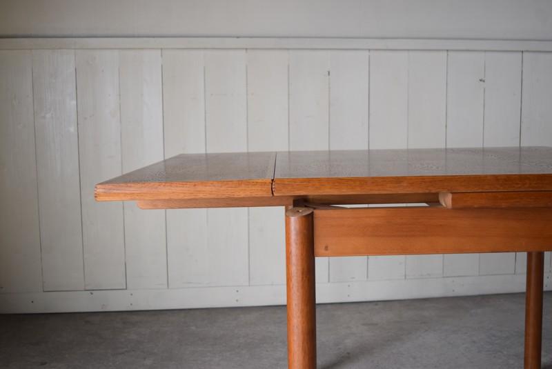天板を引き出した状態,ヴィンテージ,カリモク,karimoku,テーブル,ダイニングテーブル,エクステンションテーブル