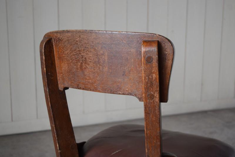 ヴィンテージ感のある木部,アンティーク,ヴィンテージ,チェア,椅子,回転椅子,郵便局,木製