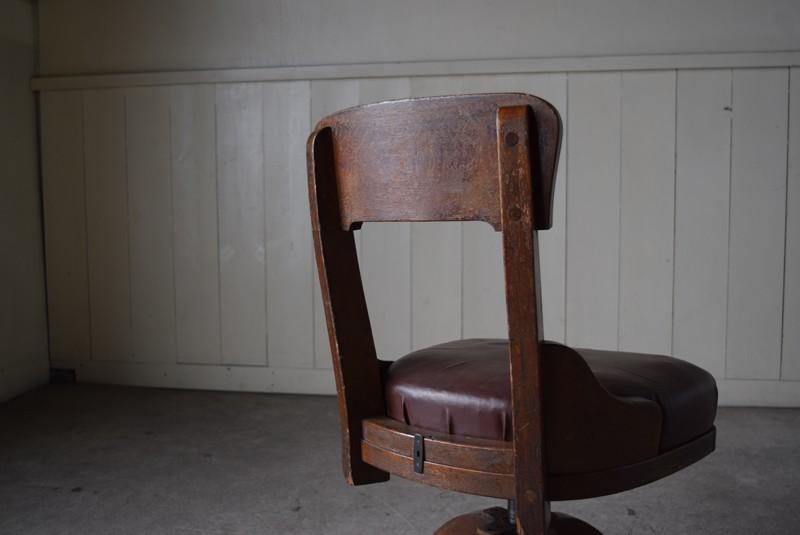 背もたれ背面,アンティーク,ヴィンテージ,チェア,椅子,回転椅子,郵便局,木製