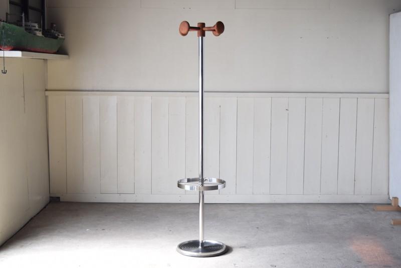 正面,ヴィンテージ,ポールハンガー,北欧家具,デンマーク,チーク材,傘立て,金属