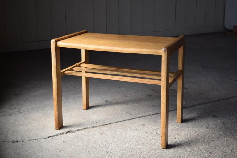 趣のあるサイドテーブル,アンティーク,ヴィンテージ,サイドテーブル,ローテーブル,ナイトテーブル