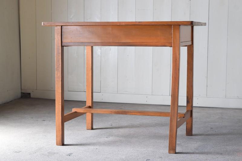 背面,アンティーク,デスク,机,テーブル,作業台,平机,引き出し,無垢材,ヴィンテージ