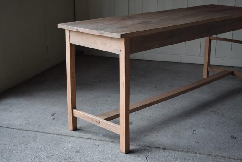 無塗装の素朴で味のある風合い,アンティーク,テーブル,陳列台,作業台,カウンター,長テーブル,ワークテーブル,無垢材