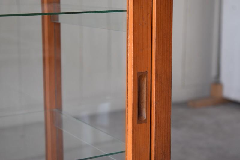 引手,アンティーク,陳列,ガラスショーケース,ガラスケース,食器棚,コレクションボード,パンケース,店舗,什器