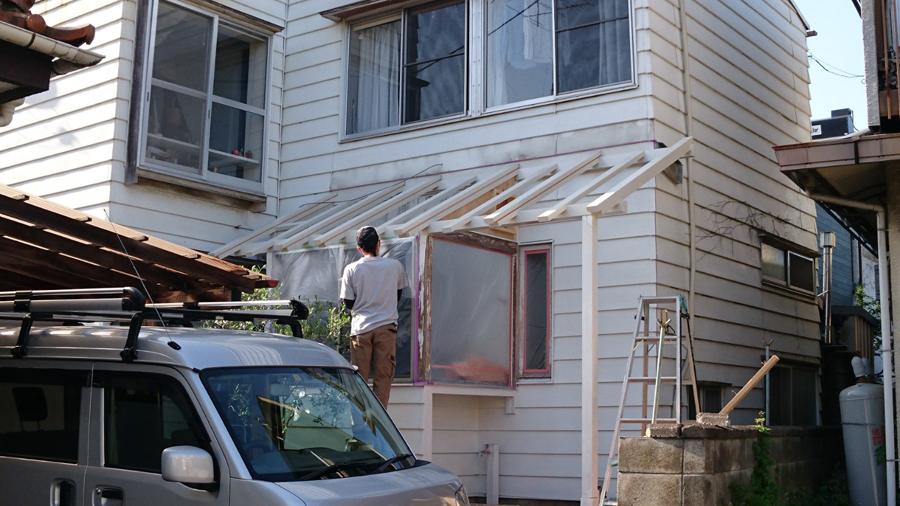 大工工事や塗装工事、外構工事とそれぞれの専門のプロの方に仕事してもらうと、卓越した考えと安定した仕事がそこにありました。