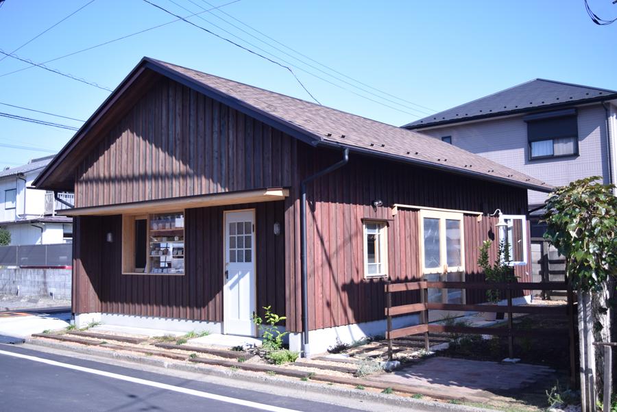 《パンとお菓子のお店 ハチタカ》 住所_埼玉県飯能市東町17-8