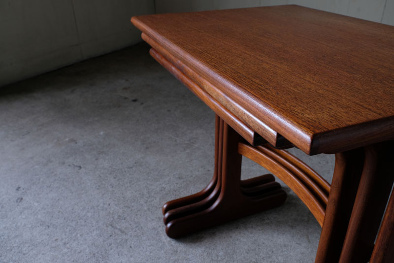 シンプルながら英国の老舗家具メーカーらしい品質の高い家具で知られる