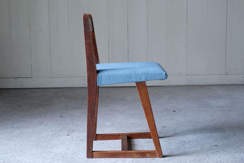 畳の損傷を防ぐ畳ずりと呼ばれる脚のデザイン