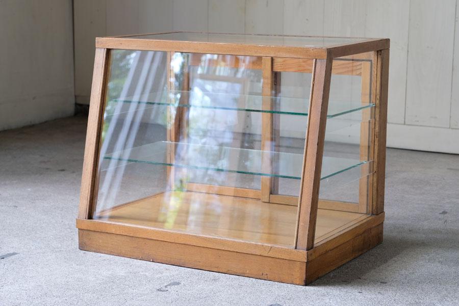 アンティーク ナラ材 台形の5面ガラスショーケース