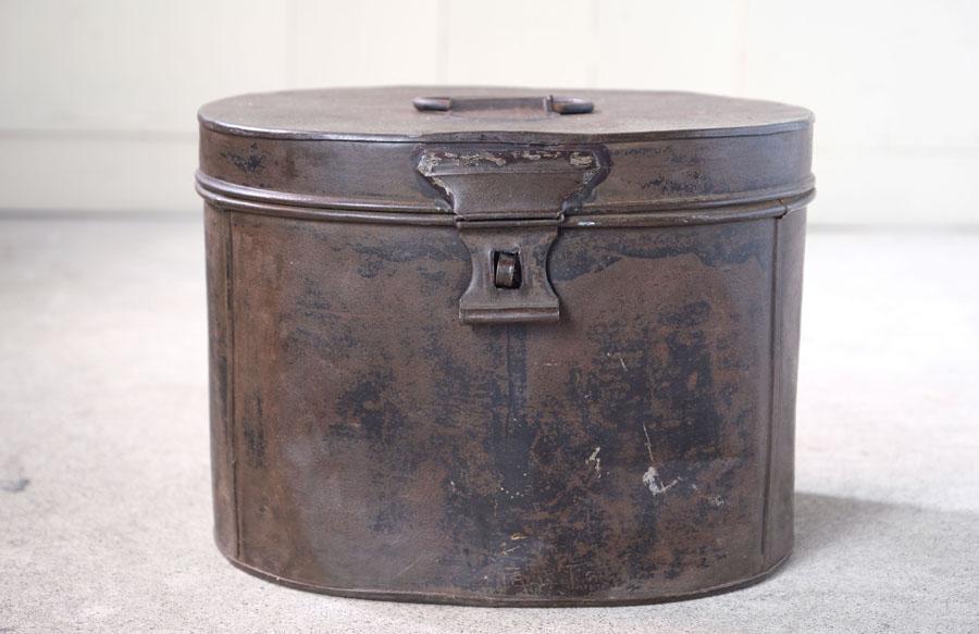 1900年頃に作られた、イギリスの古いハットケース