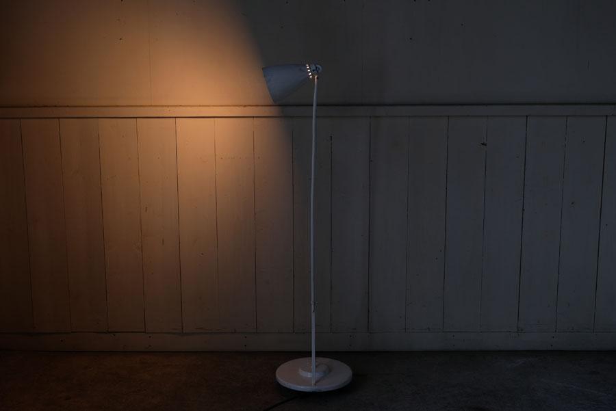 空間を柔らかく照らす、雰囲気あるお部屋づくり