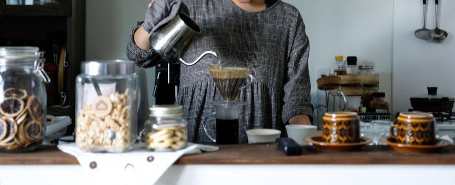 カフェでは地元のものをできるだけ使いたいと思い、手探りで地元のものを開拓。コーヒーのオリジナルブレンドは地元のコーヒー屋さんで作ってもらっている。
